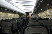 20080425Moalboal - 20080502:這就是傳說中的廉價宿霧航空的座位,還Ok啦,但沒有毯子,枕頭,耳機,娛樂,水要花錢買