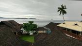 20171004-1011_Anilao Part I:20171005-Good morning~可惜一早天氣陰,岸邊有點小小浪(之後每天平的跟湖面一樣)