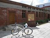 20091018再訪墾丁第二彈 Kenting:這是恆春醫院旁一間展示月琴等..古樂器的地方,改天再揪阿星來逛。(腳踏車是JOKER牌,會不會太好笑了?)