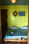 960617-960619Anilao:很簡單的房間,阿星較不滿意沒有一個處理相機的工作檯