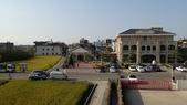 20131130-31苗栗苑裡公館 Miaoli,Taiwan:哈哈,玄機就是:藺草文化館是左邊那個小房子,不是右邊那棟壯觀的建築(阿星被騙了,哈哈)