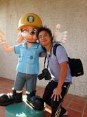 20131130-31苗栗苑裡公館 Miaoli,Taiwan:阿星:我們是好朋友(雖然不太懂,這個吉祥物跟藺草有什麼關係?)