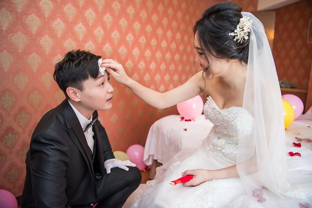 紘立&娜娜 婚禮紀錄 虎尾婚攝 斗六婚攝(斗六珍村婚宴會館):DSC_091.jpg