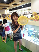 露比:2010 Aug. @ 板橋環球  奶油獅真的好可愛唷~