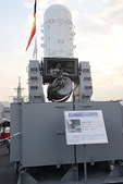 100.3.6基隆看軍艦:IMG_7364.JPG
