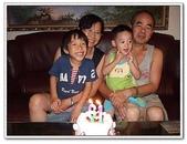 幫阿公慶生吃蛋糕:DSCF2592[1].JPG
