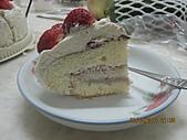 蛋糕:2011.03.01-草莓蛋糕蛋糕.JPG