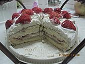 蛋糕:2011.03.01-草莓蛋糕蛋糕-1.JPG