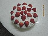 蛋糕:2011.02.28草莓蛋糕.JPG