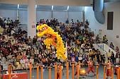 獅王爭霸戰驚險刺激 少年小獅王傳承獅藝:獅王爭霸騰空飛躍高樁3.JPG