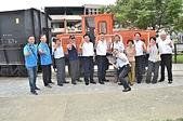 山佳鐵道紅到日本 大仙市長率公所團隊參訪 :機關車前合影.JPG