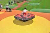 主題公園堤坡滑梯樂園 遛小孩新景點:瓢蟲搖搖盤.JPG