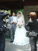 990611東京8日遊Day2:A0477Day2輕井澤-手上是結婚證書喲.JPG
