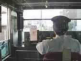 990611東京8日遊Day2:A0252Day2輕井澤-今天車長先生簾子沒拉下耶lucky.JPG