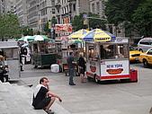 980520紐約11日自由行Day5:A0684Day5大都會博物館-熱狗車也是大街小巷都有.JPG