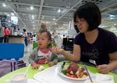 1歲6個月:1000812IKEA瑞典啤酒節_豬腳餐上傳-1.jpg