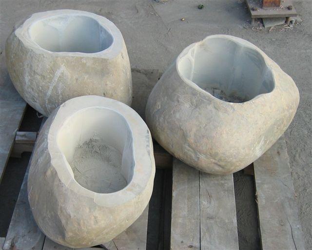 黑金剛:砂岩石缽