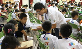 2011東元寶寶科學活動營:寶寶營-隊輔與隊員相見歡.JPG