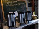 深坑老街。再續前緣:廟口ㄚ媽碳烤臭豆腐-自助紅茶
