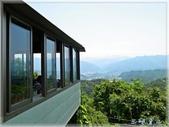 鳶山桐花趣:鳶山景觀咖啡