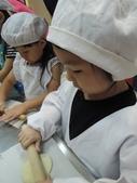 日光幼稚園體驗:做披薩擀麵皮