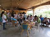 阿里山珈雅瑪部落工作假期:到達目的地時己過午時了, 放行李後, 一人一個便當填飽肚子, 大夥兒相見歡