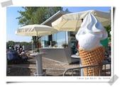 100.5.11奧捷之旅DAY2:多瑙河遊船購票處旁的冰淇淋店