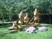 花 東:布農雕像