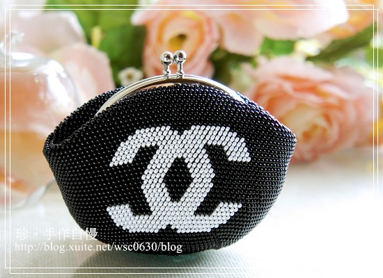 手工珠包:11/0圓珠系列:雙C-黑底白字