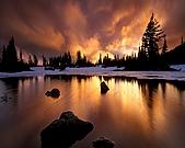 其他:The Lake of Ice and Fire.jpg