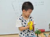 20111103_晨間操作&阿勃勒分組創作二&小小主播:20111103_小小主播 (7).JPG