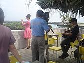 美味新關係節目的誕生:拍攝主持人拍照的畫面